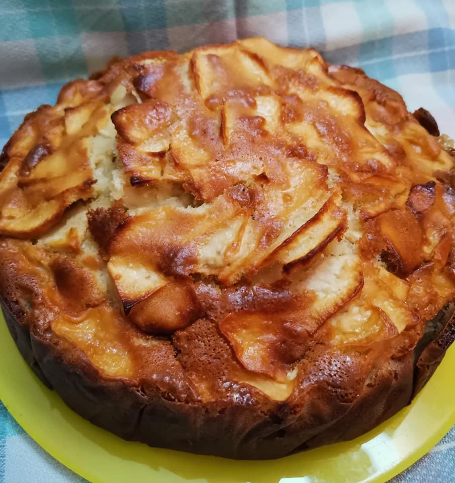 El resultado final de mi primer bizcocho de manzana sin grasa