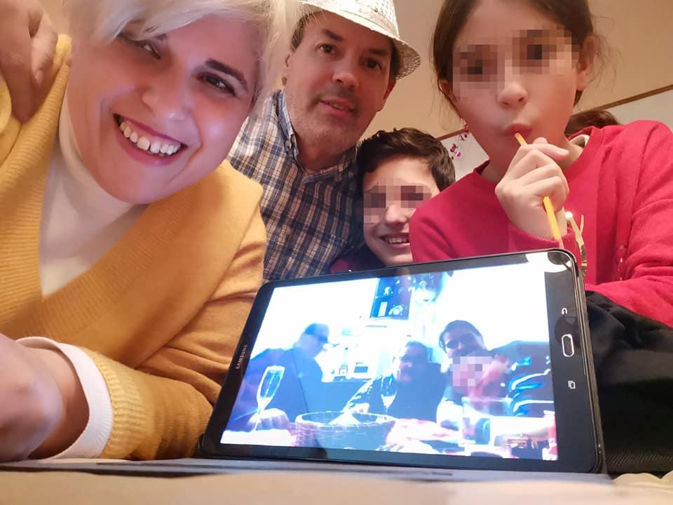Balance de la Navidad 2020-21: ni la distancia puede conseguir separarnos. Selfie familiar responsable