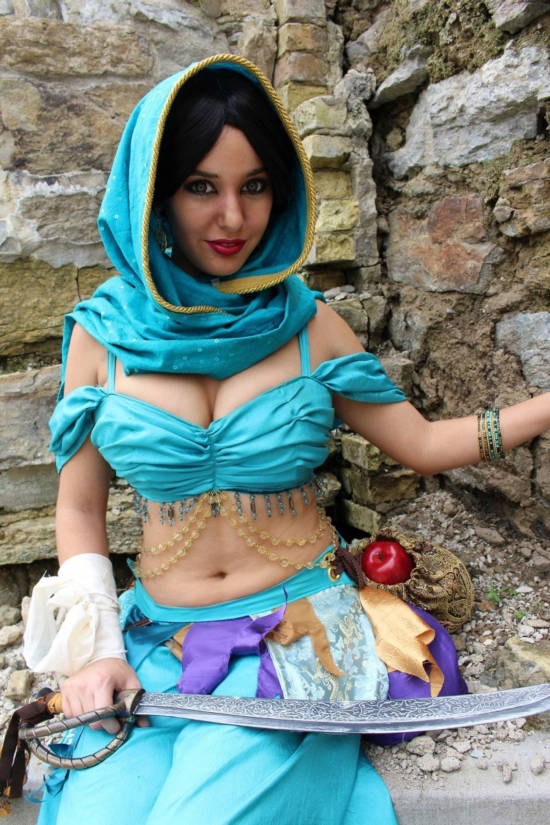 Lisa Lou Princess Jasmine Cosplay