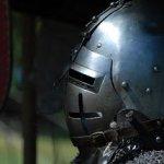 medieval-helmet-1052249_640