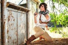 Jessica-Nigri-adventurer