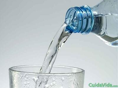 Beber agua caliente puede ser beneficioso para el organismo