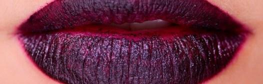 labios delineados granate