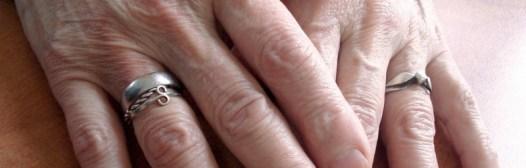 envejecimiento-manos-mujer-mayor