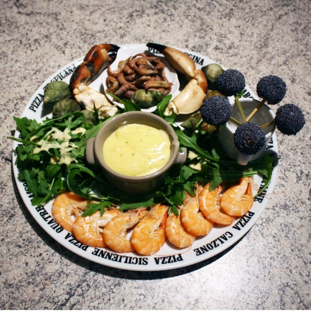 assiette-fruits-de-mer-aioli-salade