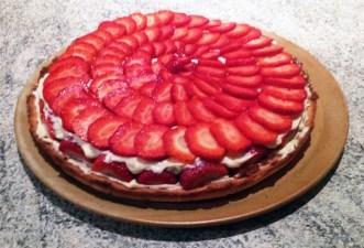 Recette de Tarte aux fraises crémeuse façon fraisier