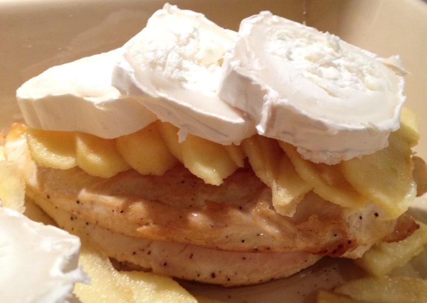 blanc poulet pomme chevre prepa 2 - Blancs de poulet aux pommes et au chèvre