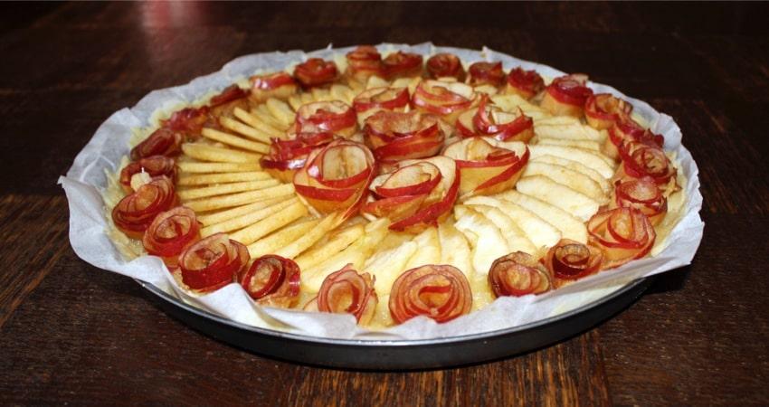 """tarte pomme roses caramel 3 - Tarte aux pommes """"Bouquet de roses"""""""