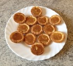 tartelettes pommes caramel 1 - Mini-tartelettes aux pommes et caramel au beurre salé