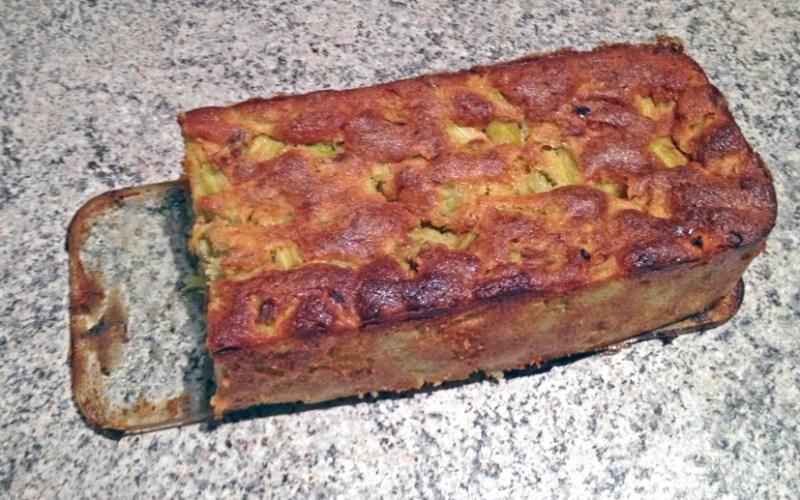 Cake fondant à la rhubarbe
