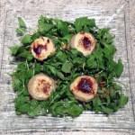 salade roquette artichaut chevre pignons 2 - Salade au chèvre, fonds d'artichaut et pignons de pin