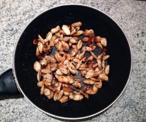Recette de Nougat glacé aux amandes et fruits confits