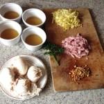 oeufs gelee endives jambon prepa 1 - Oeufs pochés en gelée, endives, jambon et pignons de pin
