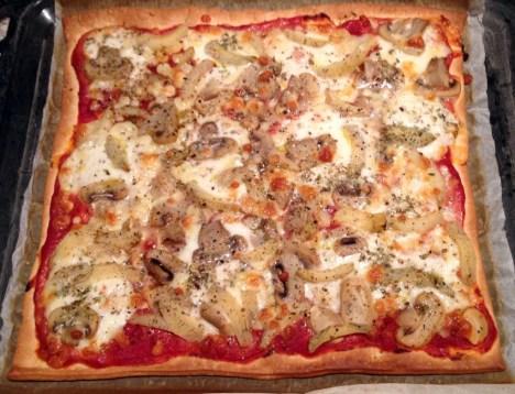 Recette de Pizza artichaut, champignons, mozzarella