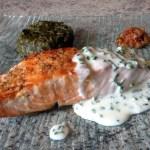 pave saumon creme ciboulette 2 - Pavé de saumon grillé à la crème de ciboulette