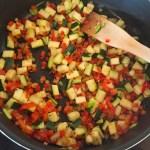 omelette courgette poivron prepa 3 - Omelette courgette, oignon, poivron