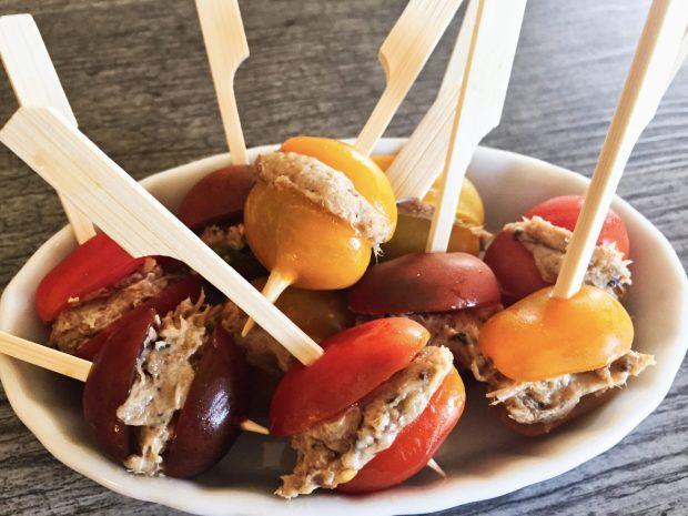 IMG 3600 620x465 - Tomates cerises farcies aux rillettes