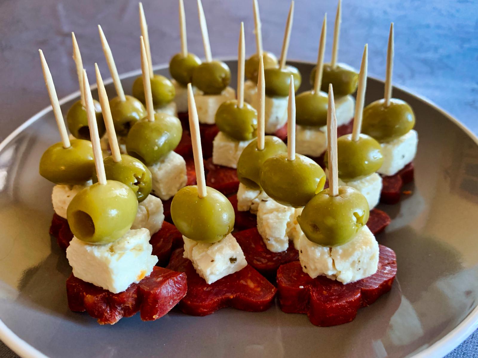 IMG 6618 - Brochettes chorizo, feta, olives