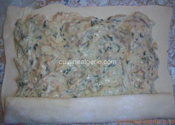 Roulé de pâte feuilletée au poulet et crème au fromage - préparation