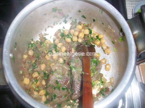 M'derbel El Karnoun (Ragoût d'artichauts)