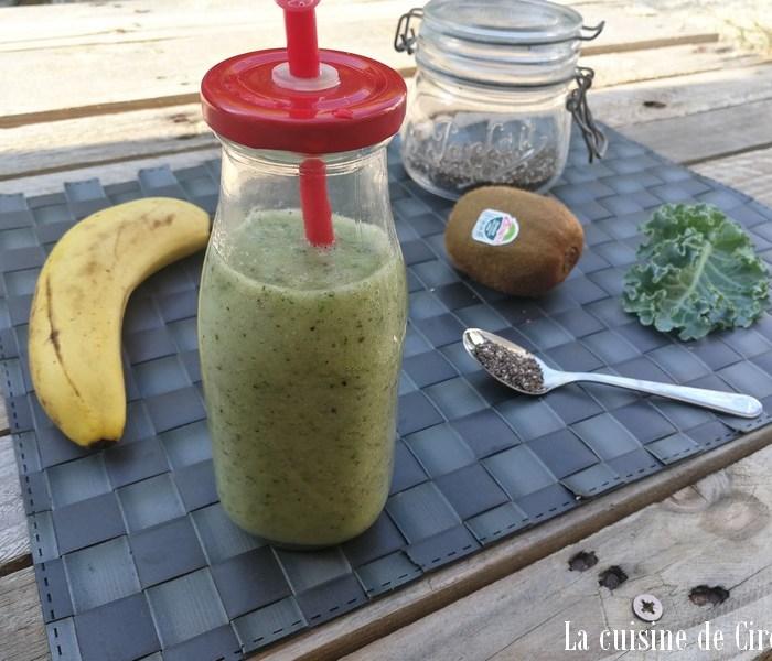 Smoothie banane chou kale kiwi graines de chia