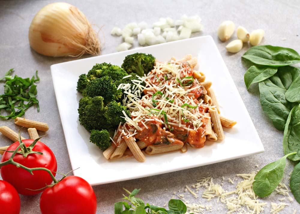Creamy Penne Pasta with Spinach and Tomato Sauce, Broccoli