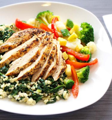 Lemon Chicken, Spinach Brown Rice, Veggie Medley