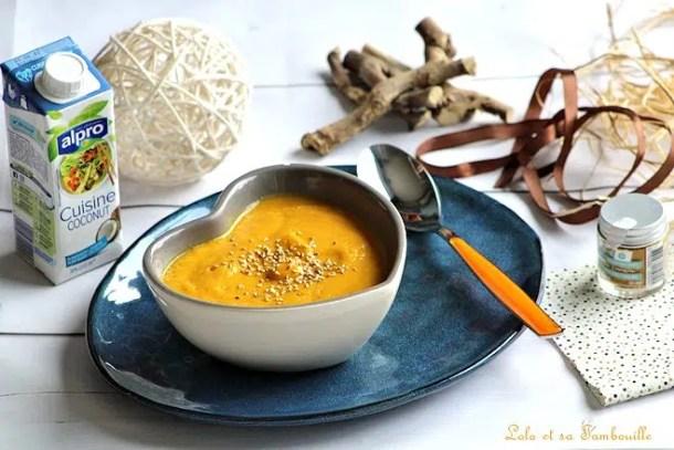 Soupe aux carottes, épices & lait de coco