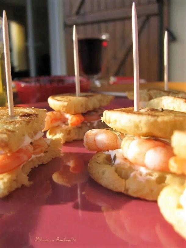 Sandwichs de blinis aux crevettes & fromage frais
