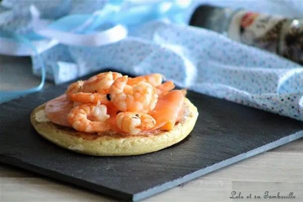 Blinis de saumon fumé, crevettes & fromage frais