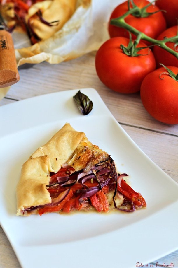 Tarte à la tomate, poivrons & mozzarella