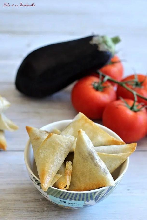 Samossas d'aubergine au curry indien
