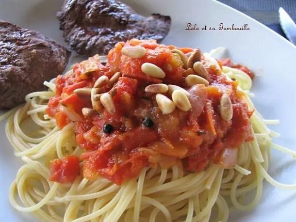 Compotée de tomates, oignons & cinq baies