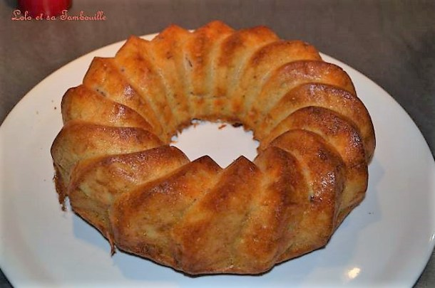 Cake à l'olivade verte & chorizo