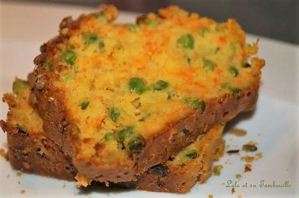 Cake aux carottes, petits pois & graines de tournesol
