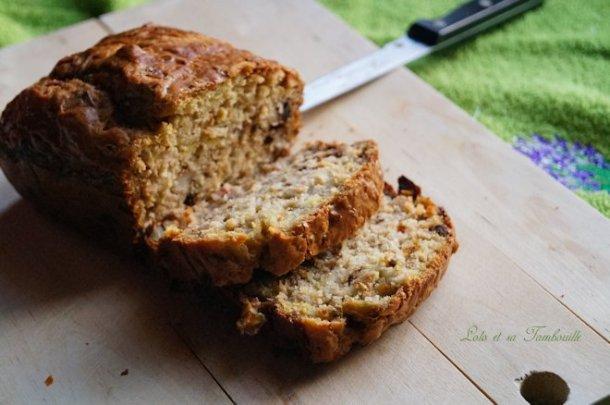 Cake aux poireaux, noix & lardons