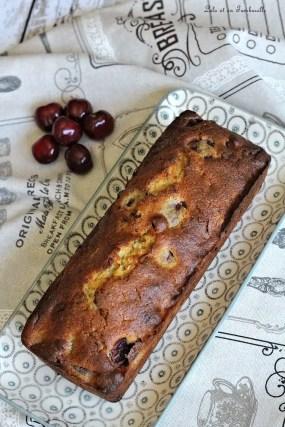 Cake aux cerises & chocolat blanc (2)