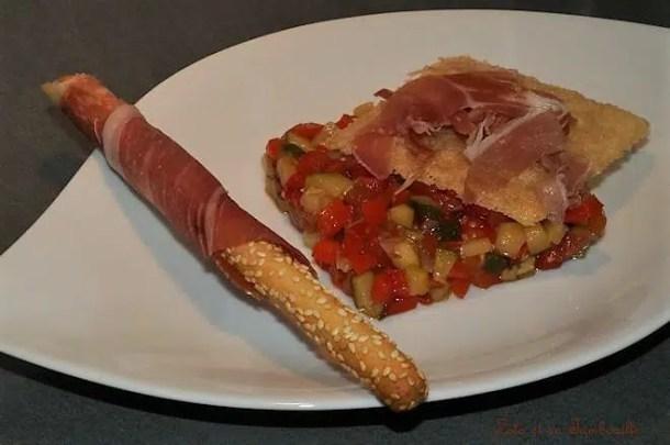 Tartare de légumes au jambon de Bayonne & tuiles de parmesan