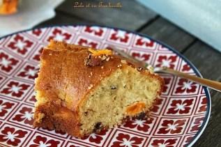 Gâteau au yaourt à la Grec, abricots & huile d'olive (3)