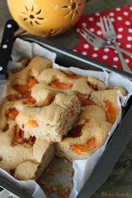 Moelleux aux abricots & crème d'amandes {sans beurre} (1)