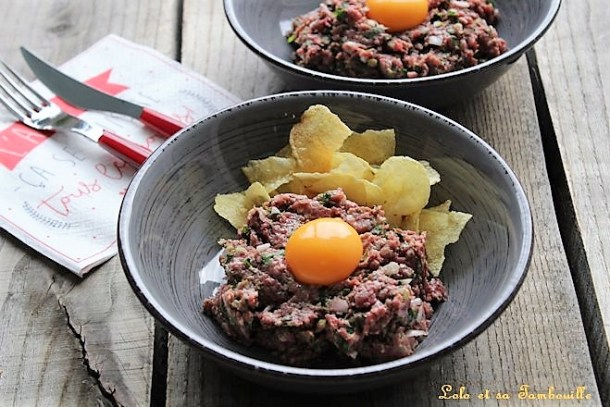 Tartare de bœuf {steak tartare ou filet Américain}
