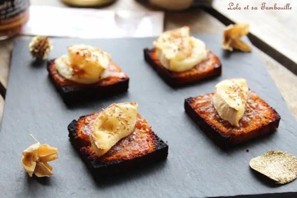 Toasts de pain d'épices & chèvre {à la confiture d'oignon}