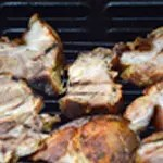 Jambonneau au barbecue Laisser griller