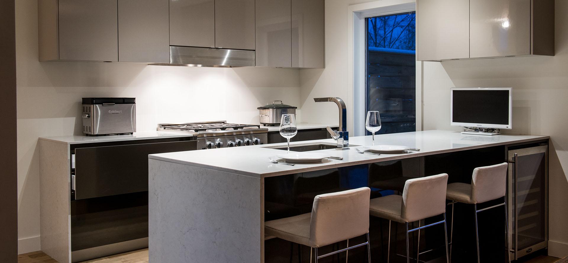 Cusine moderne d coration de maison id es de design d 39 int rieur - Cuisine aviva annecy ...