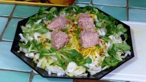 Salade composée céleri rave, betterave crue et thon (1)