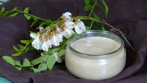 Crème dessert aux fleurs d'acacia (2)