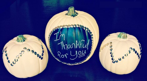 DIY Chalkboard Paint Pumpkins – Easy Thanksgiving Decor