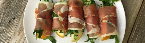 Easy Prosciutto, Pear and Arugula Appetizer Rolls