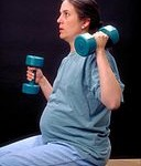 128px-Pregnant_Woman_With_Dumbells