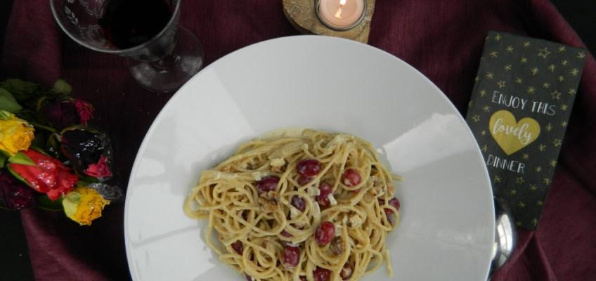Gorgonzola and Red Grape Spaghetti